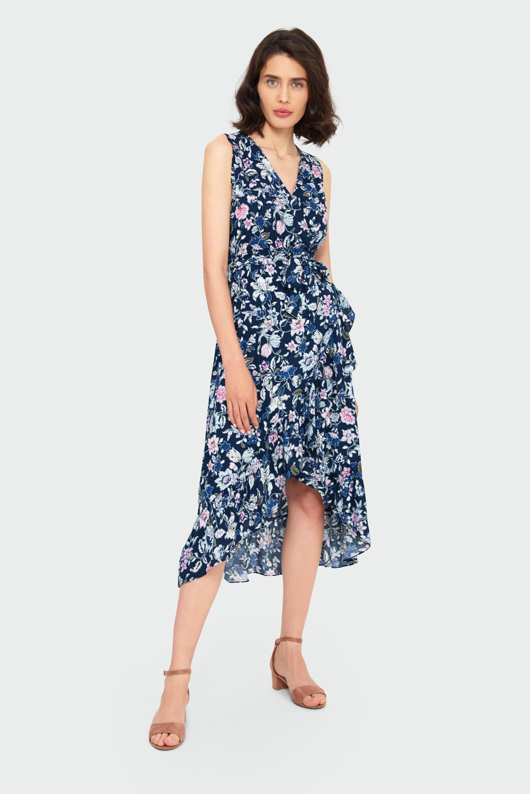 modna sukienka - kobiecy wzór